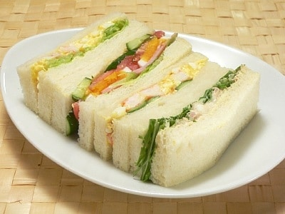 サンドイッチ (エビ・卵・ツナ・野菜)