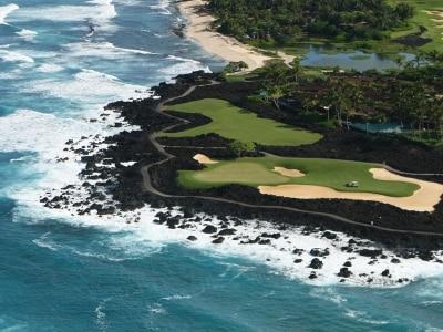 フアラライ・リゾート・ゴルフコース(写真提供:HawaiiTourismAuthority(HTA)/KirkLeeAeder)