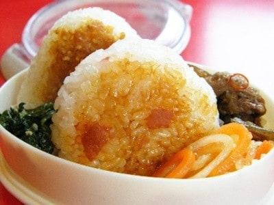 焼きおにぎりのお弁当レシピ! 生姜を使った2種類のおにぎり