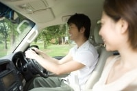 運転者=所有者とは限りません。運転者が出頭しなければ、反則金は所有者に支払義務が生じます