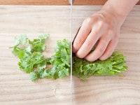野菜を大きめに切る