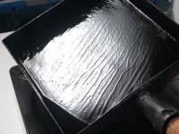 卵焼き器を熱し、油をなじませる