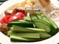 生野菜を用意