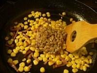 納豆を入れて炒める
