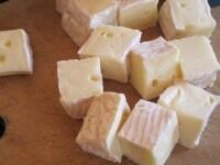 チーズを切る