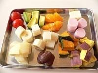 果物、野菜、その他のフィリングを切る