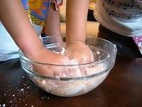 豆腐と白玉粉をよく混ぜる