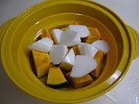 長芋とかぼちゃを電子レンジで6分加熱