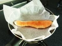鮭の片面を焼く