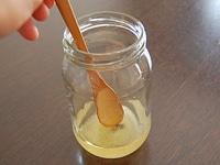 塩、果汁、酢を加える
