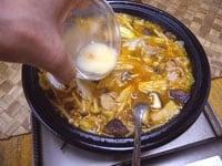 水溶き片栗粉を加え、5分ほど煮る