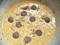 クルミとチョコレートを混ぜる
