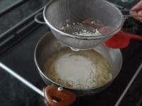 ホワイトソースを作る