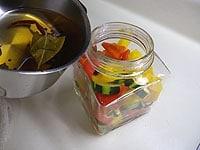 容器に入れ常温におく。2日ごろから食べられる