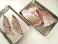 魚に下味をつける