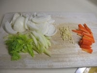 野菜類を細切りにする
