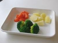 付け合わせの野菜の下ごしらえ