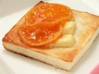 食べ方1:チーズトーストにのせて