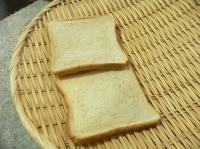 カラカラになった1時間後のパン
