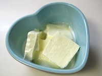 クリームチーズフィリングを作る。