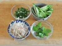 和の薬味野菜を用意する