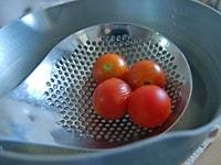 プチトマトをゆでる