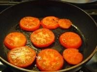 裏面を焼き、オリーブオイルを入れる