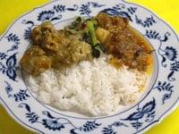 3種類を少量ずつご飯と混ぜ合わせ食べる