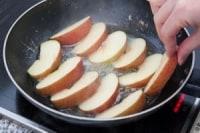 りんごを焼く