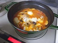 塩と胡椒で味を調える。器に盛り付けパセリを飾る