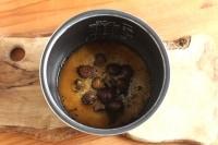 栗と調味料を加えて混ぜる