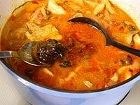 味噌を加え、塩と胡椒で味を調える