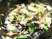 野菜炒めを作る