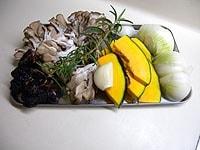 野菜はそれぞれ食べやすい大きさに切り分ける