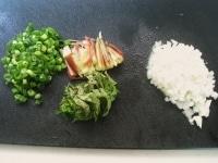 香味野菜を切る