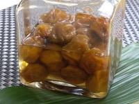 清潔な瓶に梅干と梅酢を入れ常温で保存