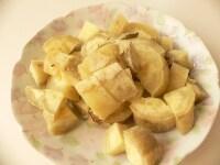 さつま芋は加熱して皮をむき、ダイスに切る