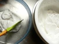 残りの生クリームでホイップクリームを作る
