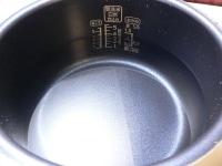 内釜に水を入れておく