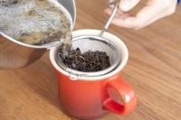 茶こしで濾す