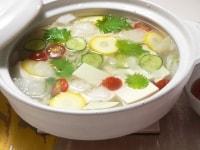 野菜を浮かべる