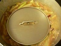 調味料を入れて8~10分煮る