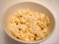 豆腐を水切りします
