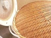 盆ザルかタオルで蓋をして保温