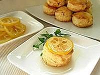レモンのシロップ煮を添えて