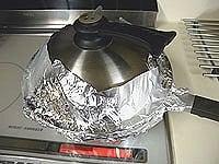 蓋をして煙の確認をしながら30分燻製する