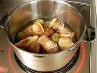 弱火で20分ほど煮る。