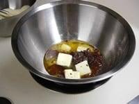 チョコ・バターを湯煎する